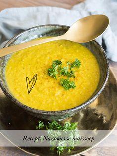Maïs kan in ontzettend veel gerechten gebruikt worden, maar heb jij er wel eens soep van gemaakt? Deze soep is heerlijk voor een warme nazomeravond!