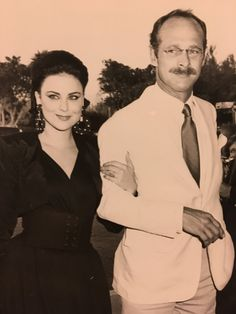 Delta Burke and Gerald McRaney 1987 Gerald Mcraney, Delta Burke, Hollywood Couples, Silver Wings, Famous Stars, Famous Couples, Movies Showing, Designing Women, Relationship Goals