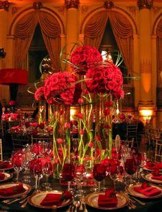 Decor fleur rouge pour table de mariage