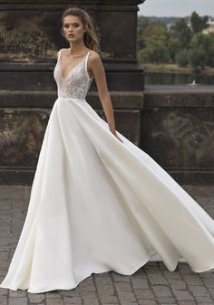 hair for backless wedding dress Backless Wedding Dress With Sleeves, V Neck Wedding Dress, Perfect Wedding Dress, Cheap Wedding Dress, Boho Wedding Dress, Dream Wedding Dresses, Designer Wedding Dresses, Bridal Dresses, Wedding Gowns