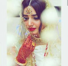 18 Ideas Vintage Pictures With Quotes Faces Bridal Mehndi Dresses, Pakistani Wedding Outfits, Pakistani Wedding Dresses, Nikkah Dress, Punjabi Wedding, Indian Dresses, Indian Wedding Photos, Indian Bridal, Bridal Looks