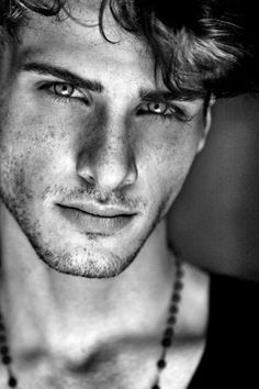 Rhuan Favoretto by Brice Hardelin. Male portrait, focus on the eyes. Black and white. Nice… Pic Rhuan Favoretto by Brice Hardelin. Male portrait, focus on the eyes. Black and white.