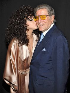 Tony Bennett made a major statement in old-school square aviator frames with vibrant yellow tinted lenses! Maybe that's what earned him a smooch from Lady Gaga.