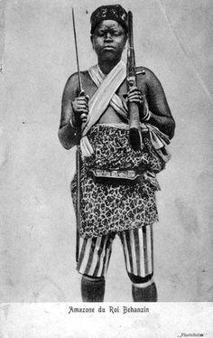 "Africa   ""Amazone du Roi Behanzin"" ~ Female soldiers of the King Behanzin, Dahomey    Scanned vintage postcard; post stamped 1905."