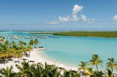Es sind paradiesische Inseln mit weißen Sandstränden, Palmen, Riesenschildkröten – und dem Euro als Zahlungsmittel. TRAVELBOOK zeigt die traumhaften Überseegebiete europäischer Staaten. Wetten, dass Sie von einigen noch nie was gehört haben?