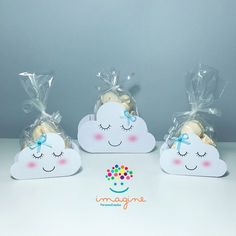 Créditos: @personalizados.imagine Ideia para Festa Chuva de Amor Unicorn Birthday Parties, Unicorn Party, Baby Birthday, Cloud Party, Baby Shawer, Baby Shower Decorations, Baby Gifts, Party Themes, Creations