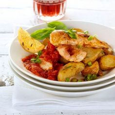 Kung Pao Chicken, Potato Salad, Potatoes, Meat, Vegetables, Ethnic Recipes, Food, Ketchup, Meal