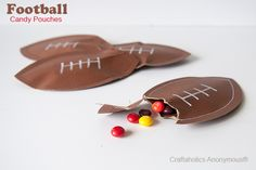 Easy Football Candy Pouches for your Super Bowl Sunday Party! Football Treats, Football Cheer, Football Birthday, Football Season, Football Parties, Football Food, Sports Birthday, Football Favors, Football Homecoming