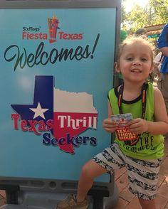 """Starting our Texas Thrill Seekers day! My little Thrill seeker is ready for a long day! #wearetts @texasthrillseekers . . . . . #LuggageandStrollers #SATX #SATXBloggers #SanAntonio #MomBlogger #Travel #TravelBlogger #TravelBlog #BloggerMom #TX #Texas #TexasBlogger #MeetMySamson #Adventure #BudgetTravel #Traveling #explore #TexasSummer #SummerFun #ThemeParks #ThemePark #AmusementPark #ThemeParkToddler  #WaterPark #SixFlagsFiestaTexas #SixFlags . . . . . [img description: Samson with his…"