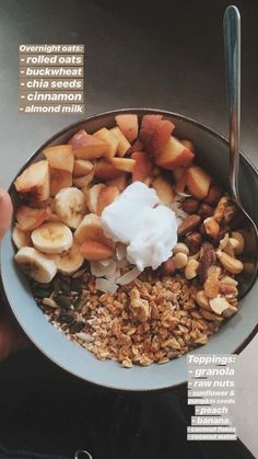 Super easy and healthy breakfast bowl. Super easy and healthy breakfast bowl. Vegan Healthy Snacks, Vegan Recipes, Healthy Eating, Diet Recipes, Oats Recipes, Dinner Healthy, Easy Snacks, Shrimp Recipes, Turkey Recipes
