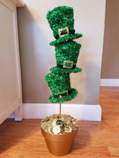 46 Ideas easter door decorations for office st. patricks day 46 Ideas easter door decorations for office st. St. Patrick's Day Diy, San Patrick, St Patrick's Day Decorations, Decoration Table, Decor Diy, Decor Ideas, Easter Tree Decorations, Craft Ideas, Diy Ideas