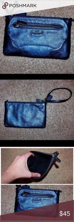 Coach Metallic Crossbody Description in last pic. Coach Bags Crossbody Bags