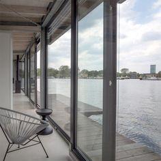 Modern Houseboat Berlin 4