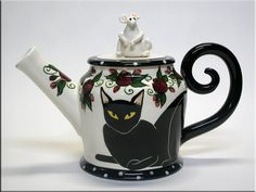 Black Cat Teapot ~  The tail, and the white mouse lid on the teapot!