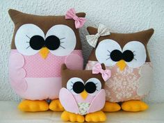 Cute for little girls room! Owl Doorstop, Doorstop Pattern, Felt Owls, Felt Birds, Owl Fabric, Fabric Crafts, Tapetes Diy, Sewing Projects, Sewing Crafts