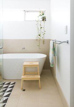 Sharon & Phil's Bright, Modern Western Australian Home Apartment Furniture, Kids Furniture, Furniture Design, Modern Contemporary, Modern Design, Australian Homes, Clawfoot Bathtub, White Walls, Apartment Therapy