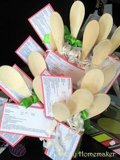 Shelly Homemaker: Bridal Shower Favors  So cute for the bride who is into cooking