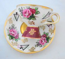 SHAFFORD JAPAN GOLD PINK RED ROSES UNIQUE FOOTING TEA CUP AND SAUCER