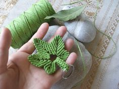 Macrame hemp leaf or maple leaf key chain. Once again i used 'Macrame School's' lovely video tutorials: https://www.youtube.com/watch?v=l8P4MzeTXlY