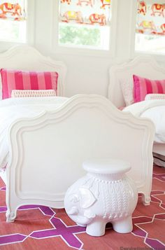pink & white girls' bedroom