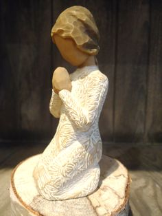 Prayer of Peace Willow Tree Figures, Willow Tree Angels, Stone Carving, Carved Wood, Beautiful Artwork, Statues, Prayers, Sculptures, Porcelain