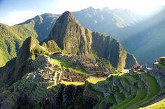 Trilha Inca, no Peru Uma das mais famosas do mundo, a trilha de 33 quilômetros vai do Vale Sagrado a Machu Picchu. Milhares de pessoas percorrem o caminho sinuoso ao redor das montanhas e contemplam a paisagem de tirar o fôlego que lhes rendem momentos inesquecíveis.