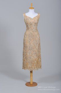 Vintage mother of the Bride Dress.  I love the fabric and that it is not floor length. #motherofthebride