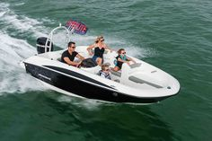 Motorboat Award Winners 2014: The best in the business.   Alex Smith checks out the big winners from the annual Motorboat Awards.