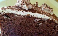 Torta delice al cioccolato farcita con panna e nutella - La goduriosa Kinder Delice, regina delle torte di compleanno, conquista grandi e piccoli per gusto e morbidezza.