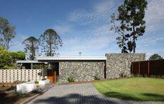 One Wybelenna / Architects: Shaun Lockyer Architects Location: Brookfield, Brisbane, Australia Design Team: Shaun Lockyer ,Shane Marsh, Lucy Hyndman, Richard Pain, Corinne Bolton Area: 1,012 sqm Year: 2012 Photographs: Scott Burrows