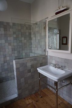 Film Location House-Victorian House, bit quirky in Hackney Filming Locations, Wooden Flooring, Victorian Homes, Corner Bathtub, Double Vanity, Bathroom Ideas, House, Bohemian, Spaces