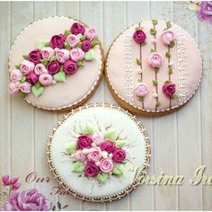 Decorated Sugar Cookies with Beautiful Flowers