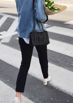 Denim jacket, suit trousers, white shirt, white block heels, gold earrings. Classic. Minimalism. More on afnewsletter.com
