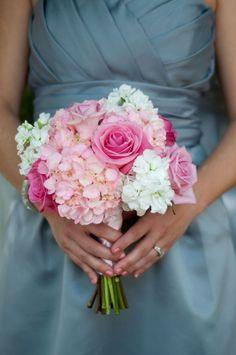 brautstrauß . rosa . weiß . hortensien . rosen . flox