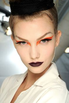 Karlie Kloss backstage Christian Dior Haute Couture AW 2010-2011
