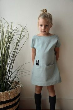 Straight fabric dress for the daring I – KinderMode Baby Girl Fashion, Toddler Fashion, Toddler Outfits, Kids Fashion, Girl Outfits, Spring Fashion, Fashion Dolls, Womens Fashion, Sewing For Kids