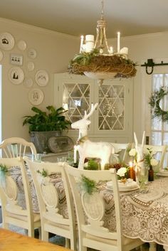 See ALL of theDIY Holiday Highlights party linksincluding previous years for TONS of Christmas and holiday inspired decorating and DIY projects!