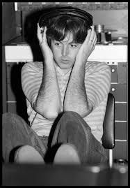 Paul, AIR Studios, London, Photo used on the cover of the album 'Tug of War' Happy 75th Birthday, Sir Paul, Tug Of War, Paul Mccartney, The Beatles, Musicals, Beautiful Pictures, Album, Pure Products