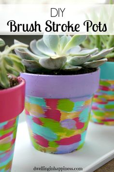 diy brush stroke pots container gardening crafts flowers gardening how to - Garten typen Clay Pot Projects, Clay Pot Crafts, Crafts To Make, Painted Clay Pots, Painted Flower Pots, Decorated Flower Pots, Garden Crafts, Diy Garden Decor, Garden Ideas