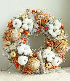 Christmas Advent Wreath, Handmade Christmas Decorations, Christmas Centerpieces, Christmas Crafts, Holiday Decor, Christmas Design, Christmas Colors, Christmas Holidays, Wine Cork Wreath