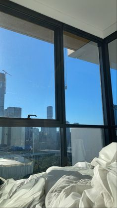 Nyc Life, Minimalist Room, City Aesthetic, Dream Apartment, Dream Rooms, Future House, Aesthetic Wallpapers, Room Inspiration, Life Is Good