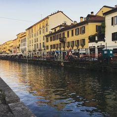 #amici #friends #archidaily #architecture #desing #geometric #city #town #art #instagood #fun #holiday #travel #l4l #like #funny #likeforinstagram #likeforlike #likeforfollow #holiday #milano #vivomilano #milanodaclick #milanodavedere  #laurea #cousin #sky #navigli #fiume #serata by italianboy1_9