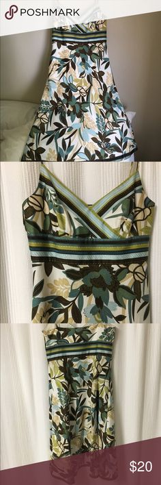Ann Taylor Sun Dress. Great Condition! Used. Quality Material. 100% Cotton. With a slip lining of 100% Acetate. Ann Taylor Dresses Midi