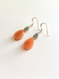 Carnelian earrings, Natural Carnelian stones & silver earrings, dangle gem earrings, Teardrop orange stone earrings, Carnelian jewelry, Gift