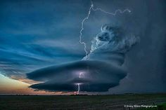 Supercell thunderstorm in Nebraska.  Photograph by Jeremy Holmes Photography www.irvisions.com