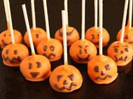 Pumpkin Spice Jack-O-Lantern Pops