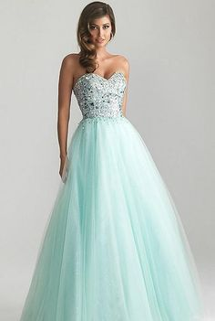 I want this to be my prom dress! ( even though prom is years away ) :D