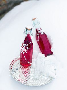 The cranberries give this vodka recipe a brilliant ruby colour that looks so Christmassy – perfect to give as a gift.