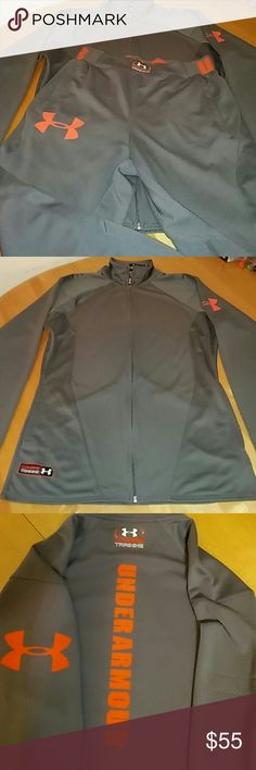 """Under Armour Suit MD Gorgeous Suit Under Armour for Women's, 100% Polyester, Grey and Orange, Size MD Regular.  Pant Inseam 29"""", Jacket armpit to armpit 22"""". Used and Good Conditions. Under Armour Other"""