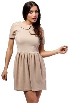 01bdacad01 Dzianinowa mini sukienka odcinana w pasie z krótkimi rękawami i  kołnierzykiem bebe. Góra dopasowana
